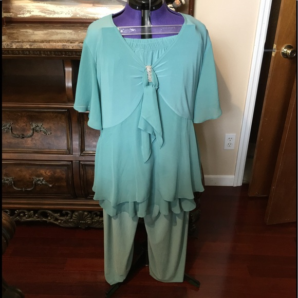 3a9df19c2b879 Tops - Woman Within 2PC pant Suit Sage in color